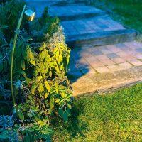 Spot led Flora sur borne pour jardin et extérieur