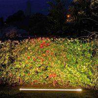 Projecteur paysager Line Top à l'horizontale pour jardin